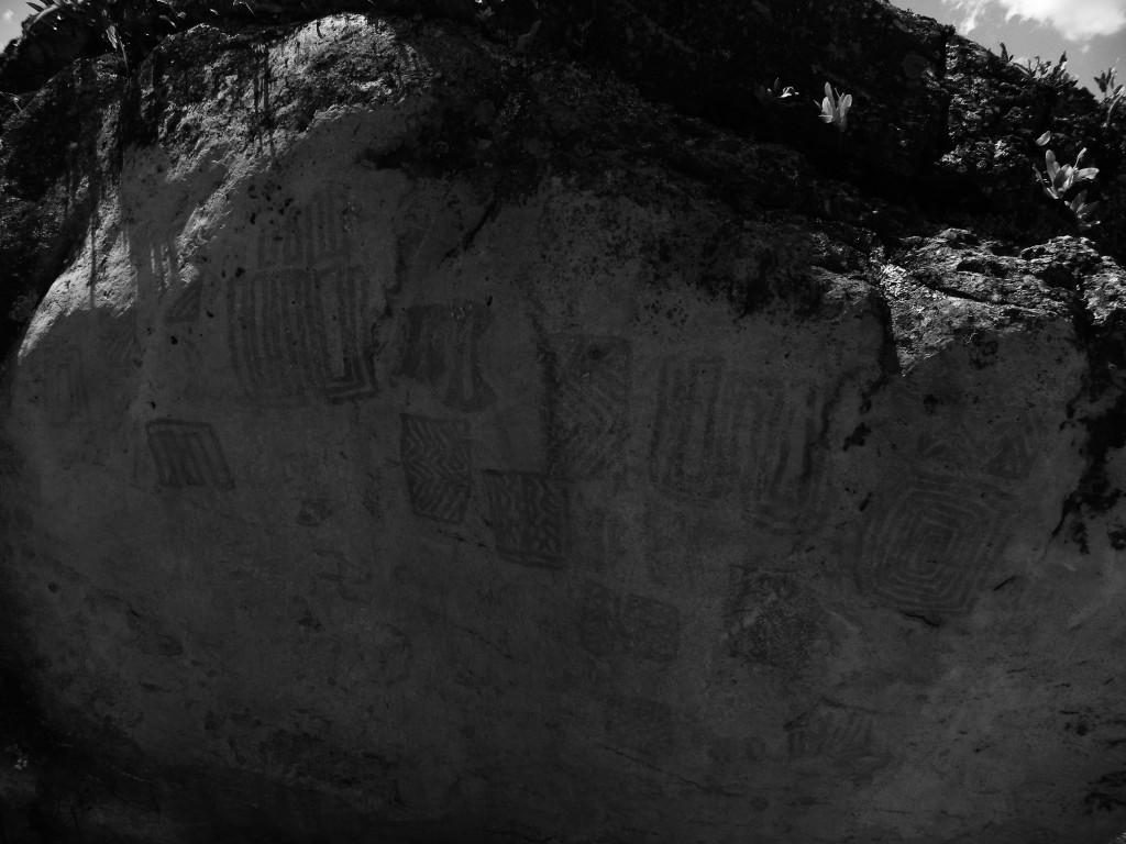 Piedra de los pictogramas cementerio de sutatausa