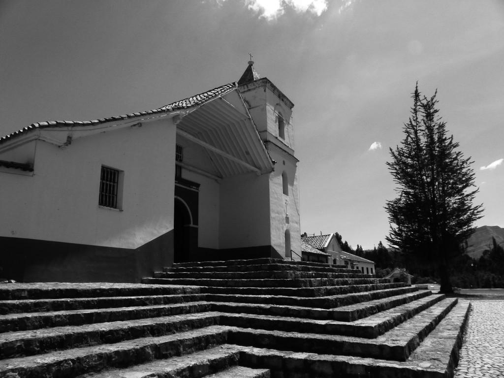 (2) Segunda Imágen, templo central y antecapilla sutatusa