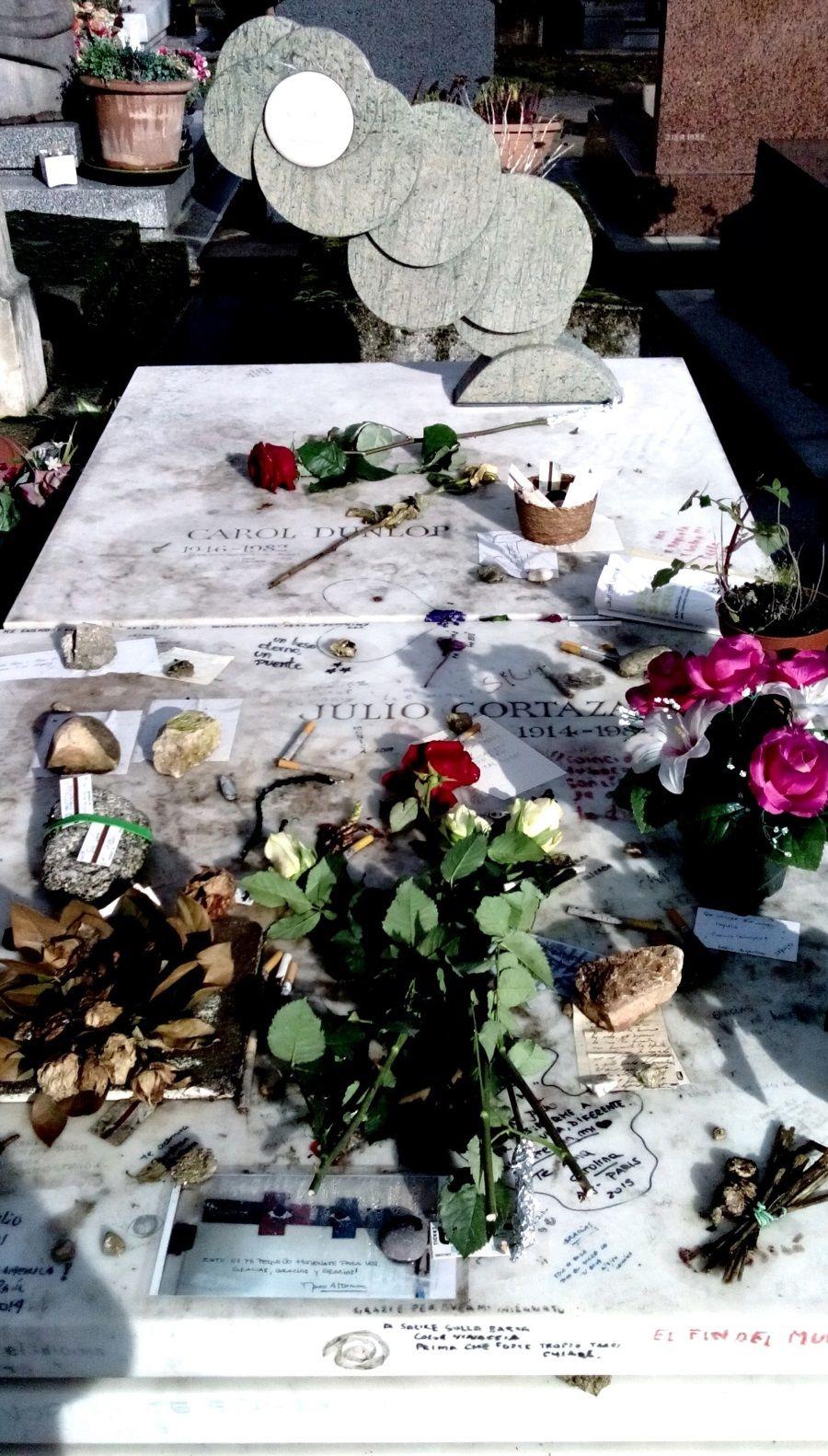 Julio Cortazar Carol Dunplor. Cementario de Monparnase, Paris